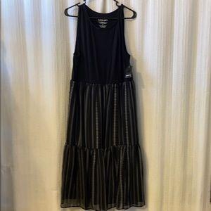 Pretty Black Maxi NWT Torrid